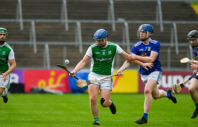 Ryan Bogue makes a run up the right wing.  Photo: Ronan McGrade