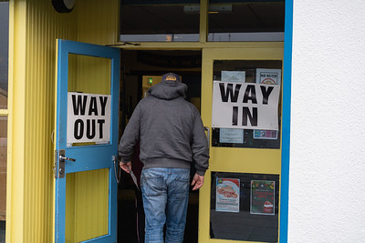 Voters make their way to the polling stations on a chilly Thursday in Enniskillen.  Picture:  Ronan McGrade/Pacemaker Press