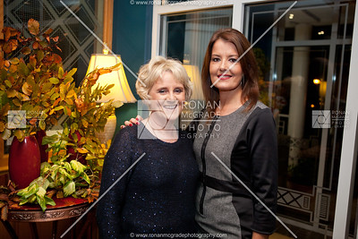 Fiona Cathcart (ladies captain and event organiser) with Daphne Gibson.