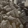 Resultatet av Algerie-aksjonen i 1962. 150 000 ulltepper lastes i Oslo havn. Foto: Flyktningerådet