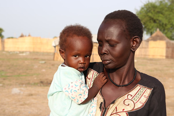 Nyedine with her youngest child Nyakoanye (1,8Years)