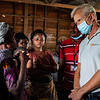 Jan Egeland with Justine, newly displaced people from the Nyiragongo Eruption
