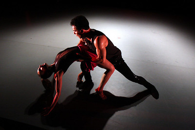 Dance Place - Option 2 Dancers: Heidi Kershaw, Alvaro Pallau Photo by John McCauley