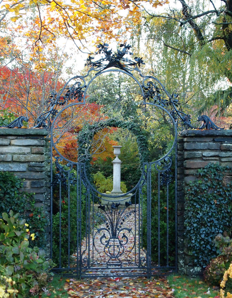 West gate of the Fountain Terrace of the Dumbarton Oaks Gardens, looking toward the Terrior Column