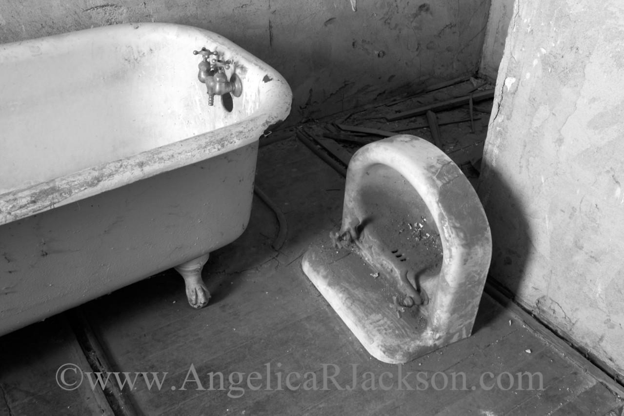 """""""Sinkstone' (Black & White)<br /> April 2013"""