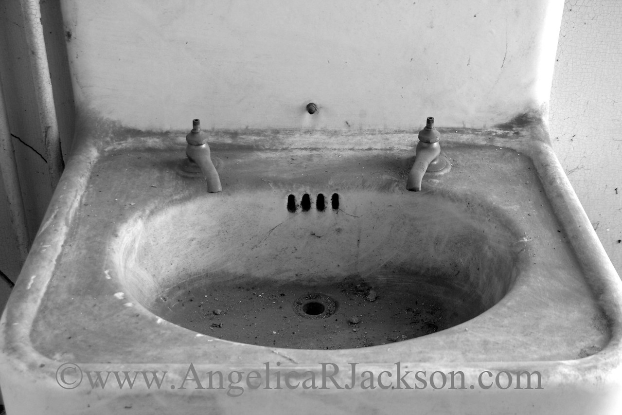 """""""Ring""""<br /> A sink<br /> May 2010"""