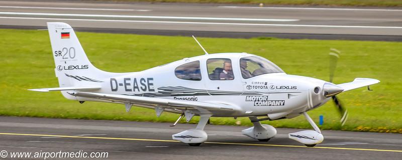 D-EASE SR22 @ Prestwick Airport (EGPK)