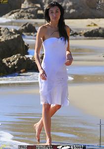 swimsuit_model_november_malibu 918.4334