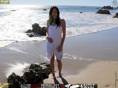 swimsuit_model_november_malibu 935.4565