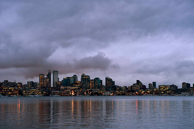 Seatlle at dusk, from Gas Works Park.  Yes, it was grey all day, and rained for a good portion of the day as well.  I never knew Seattle had such steep hills downtown - Rachelle impressed us all with her clutching abilities in her Honda!