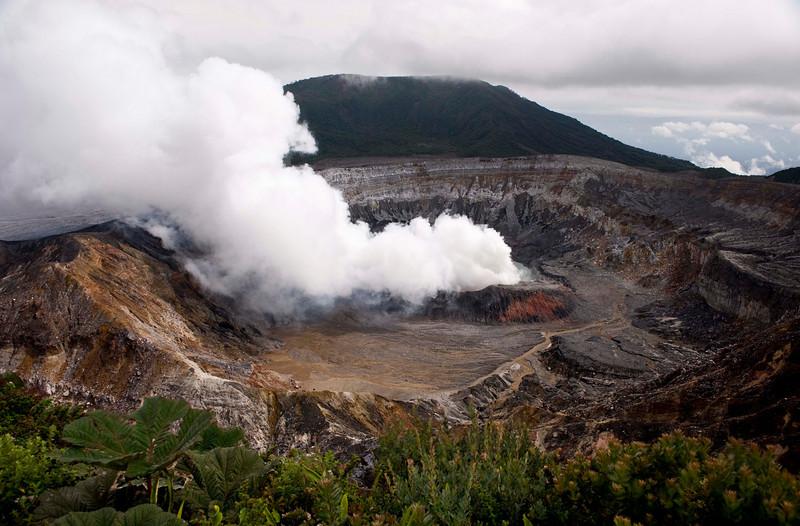 Volcán Poás and Laguna Caliente