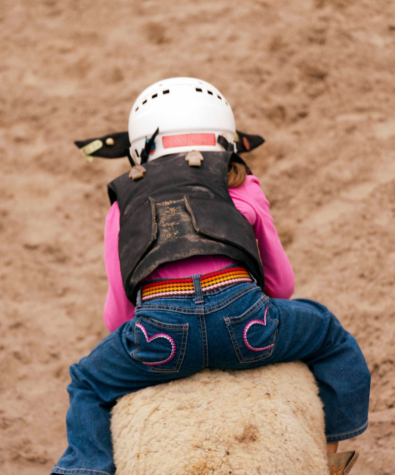 Mutton bustin - you go! girl!!!