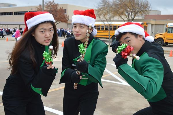 2015-12-12 Holiday parade