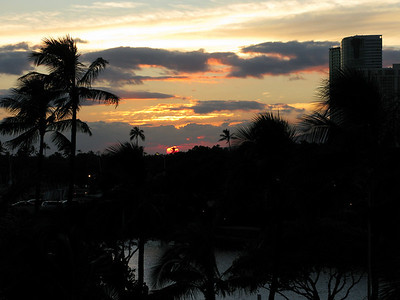 Again, sunset from the lanai.  The word just rolls of the tongue.