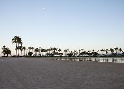The lagoon in front of Hilton Hawaiian Village