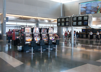 Slot machines in the airport... nice