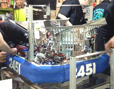 2013-Ultimate Ascent Robot