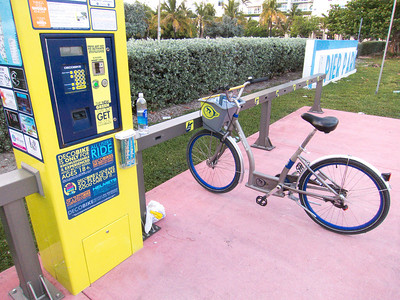 Our new favorite form of transit around Miami Beach - DECOBIKE