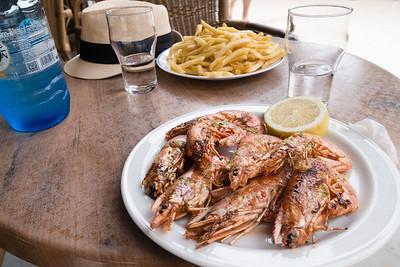 Macarella beach bar lunch