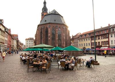 Square below Heidelberg Castle 49.411991, 8.710790