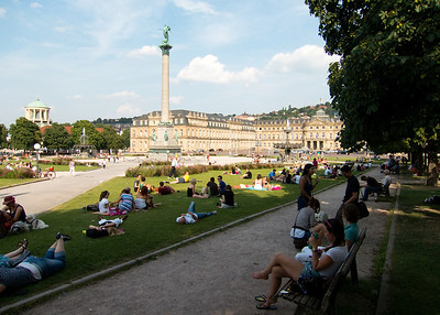 Schlossplatz  48.778425, 9.178861