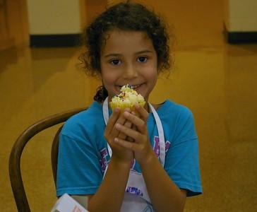 Tiny Chef: Cupcake Wars
