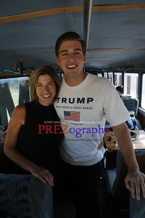Trump Bus Dubuque 8-25-15