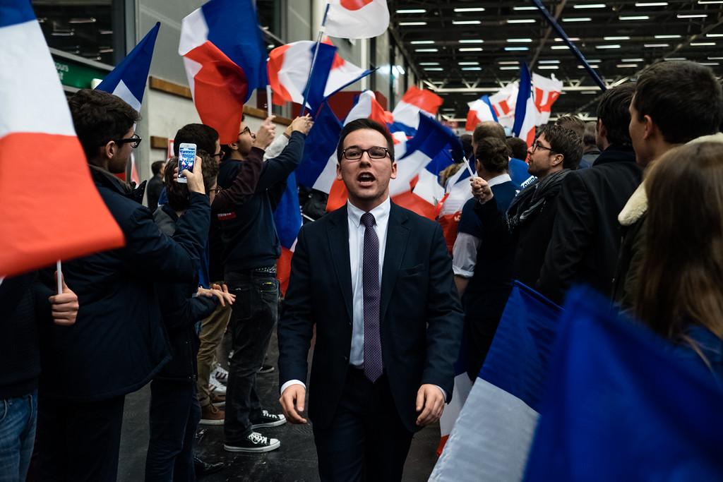 Arrivée imminente de François Fillon, meeting à Paris, Porte de Versailles, 26/11/2016