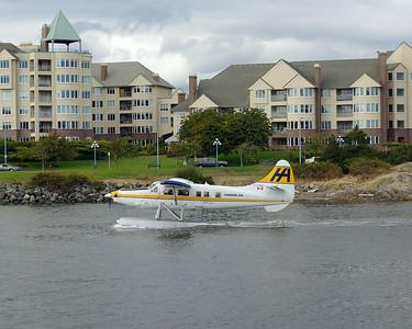 DSC06536-seaplane-victoria harbor
