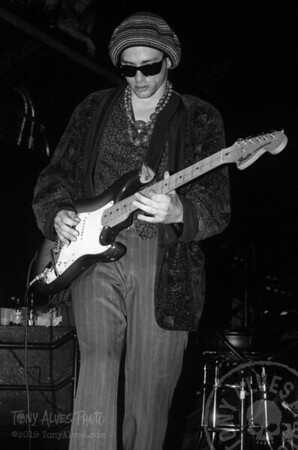Bob-Cock-&-the-Yellow-Sock-Primus-1991-08-BW_30