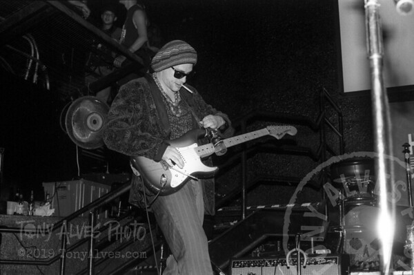 Bob-Cock-&-the-Yellow-Sock-Primus-1991-08-BW_14