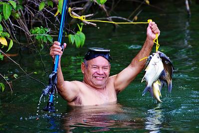 Spear-fisherman, Belize