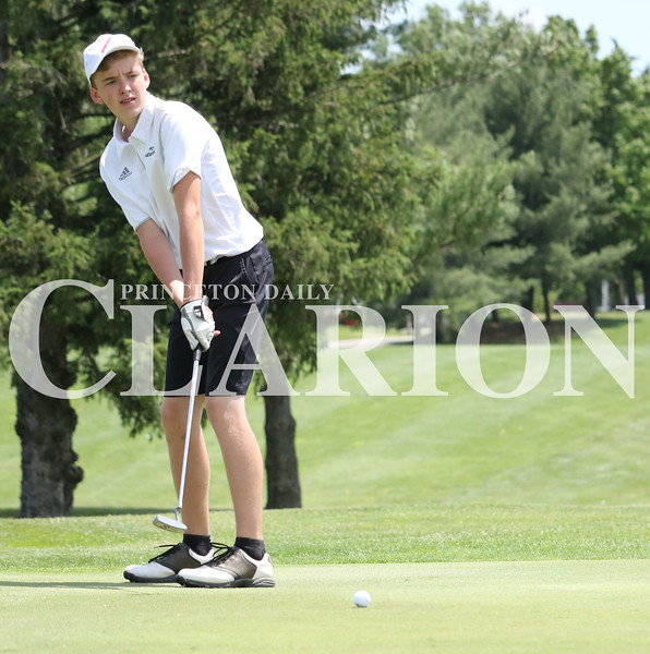 Lucas Whitten/Daily Clarion<br /> Wood Memorial's Jalen Doerner putts his way to a match-low 73 at Oakland City Country Club, leading the Trojans to a Gibson County championship.