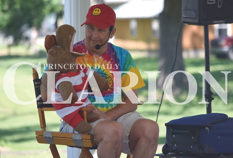 Quiche Matchen/ Daily Clarion<br /> Singer/songwriter and ventriloquist Marc Thomas and Max the Moose put on a puppet show and moosical songs for Princeton youth at Lafayette Park Tuesday morning. The puppet show is part of the Princeton Public Library's summer reading program.