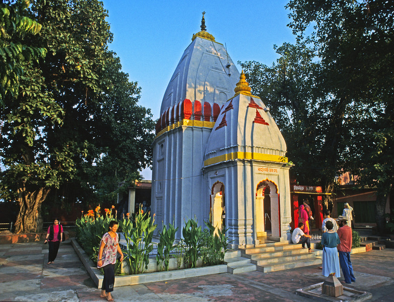 L1428 Travelers at Virbhadra Temple, Rishikesh