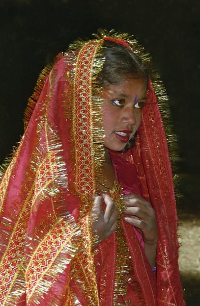 L1023 Local dancing girl, Tarkeswar