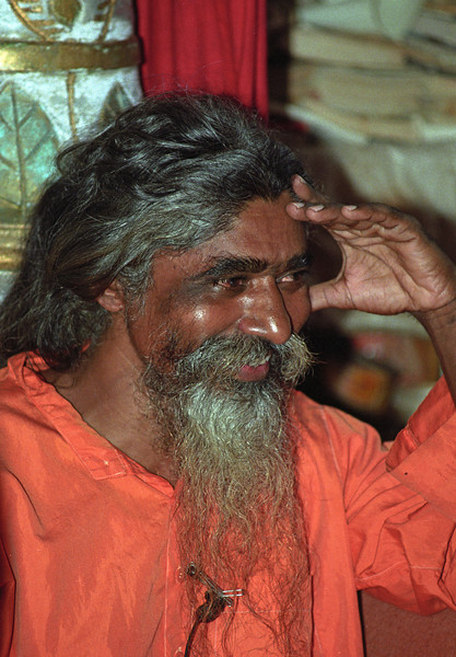 L2588 Swami successor to Tutwala Baba, Rishikesh