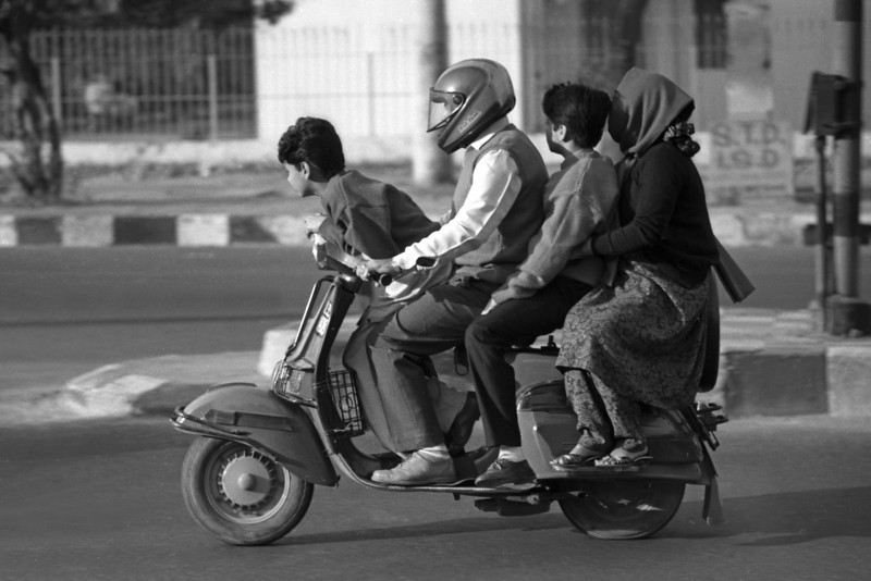 L2598 Family ride, New Delhi
