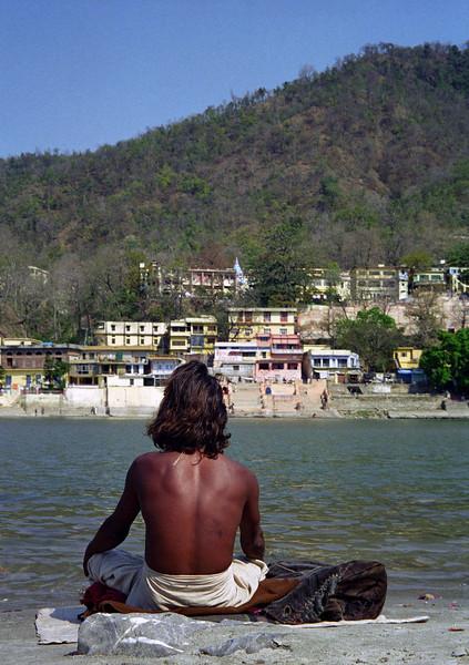 L0996 Meditator on Ganges, Rishikesh