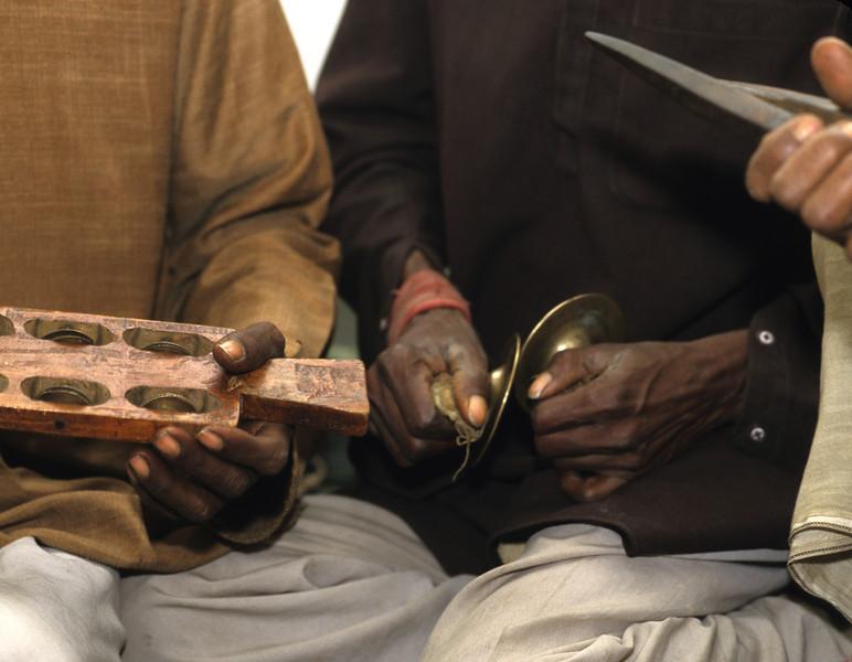 L1259 Village musicians. Chatnag, Allahabad