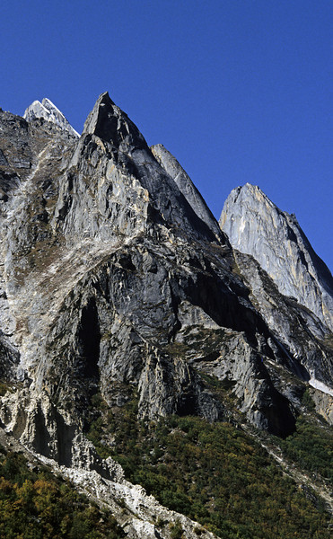 L1188 Mountain between Gangotri and Gomuk