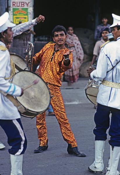 L1706 Rishikesh band