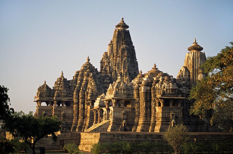 L1092 Kandariya and Devi Jagdambi Temples