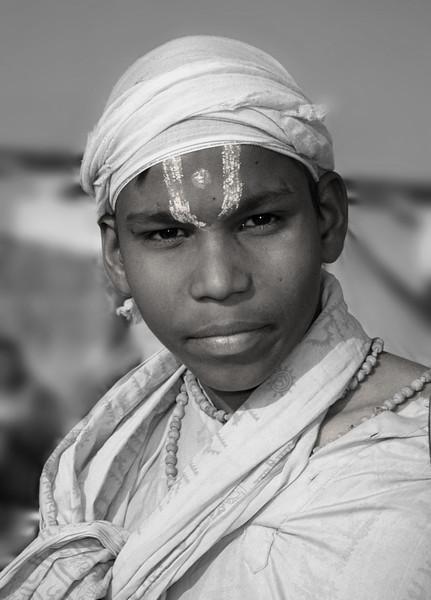 L2204 Vaishnava sadhu