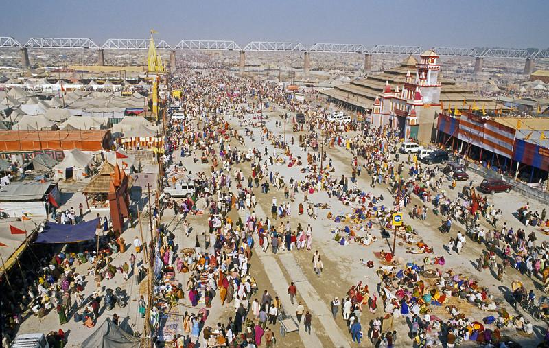 L1135 2001 Kumbha Mela, Allahabad