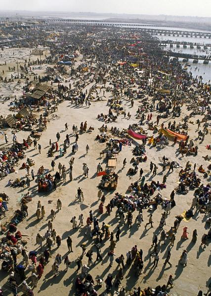L1308 2001 Kumbha Mela, Allahabad. 70 million attended.
