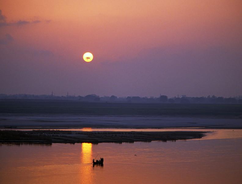 L1047 Ganges River, Allahabad