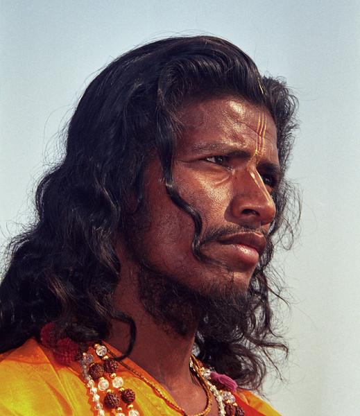 L2202 Sadhu