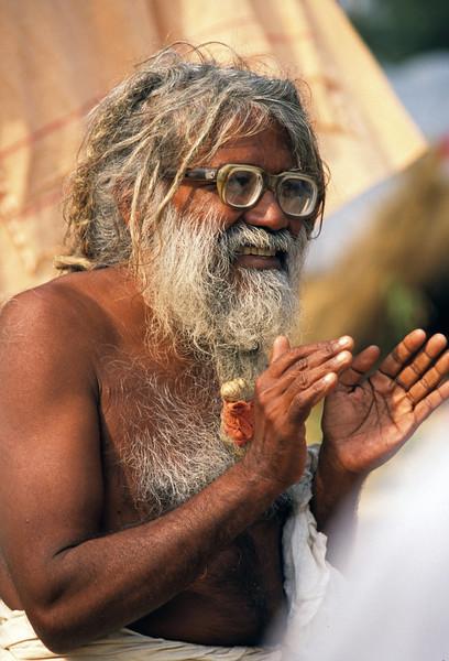 L1811 Sadhu interpreter