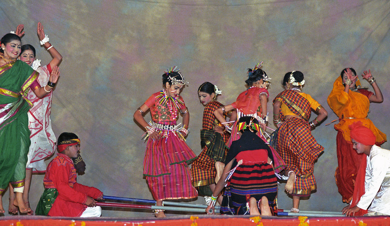 L2093 Traditional dances by Sandia Dancers from Mumbai. 2001 Kumbha Mela, Allahabad